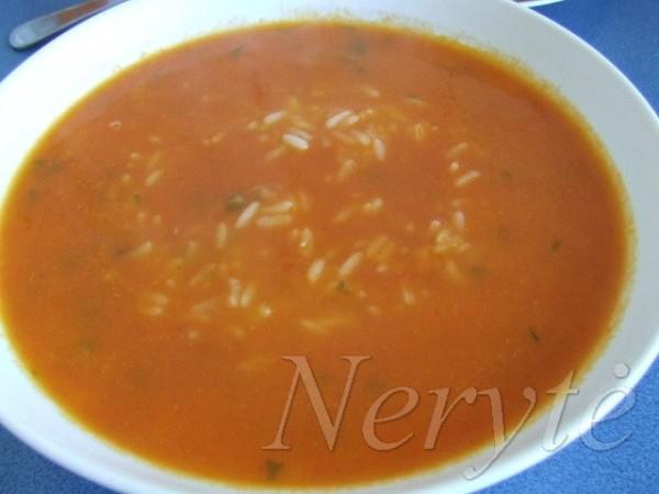 pomidoriene