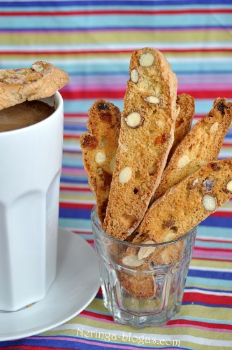 biscotti su dz. vaisiais