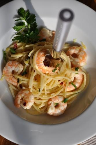 spaghetti su astriom krevetem