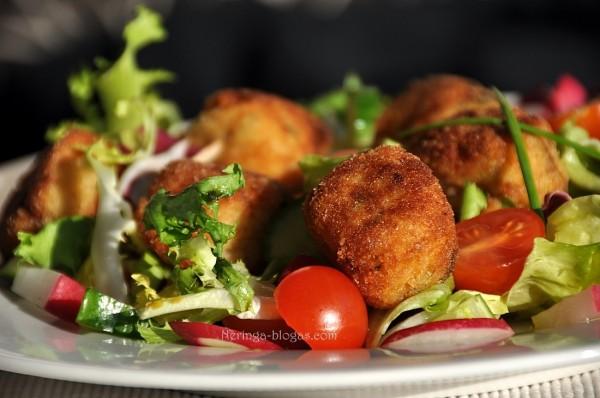 pavasarines salotos su zuves - bulviu rutuliukais