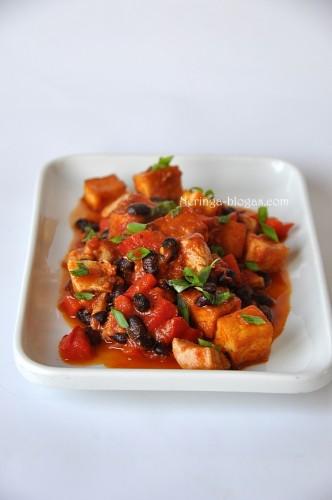 juoduju pupeliu - vistinos - tofu troskinys