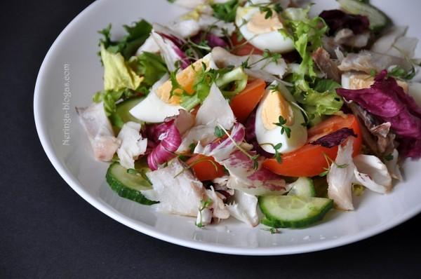 Pavasarines salotos su rukyta zuvimi