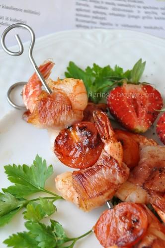 krevetes su kumpiu bei pomidoriukais