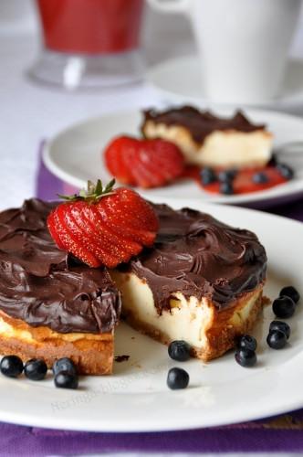 varskes pyragas su sokolado plutele