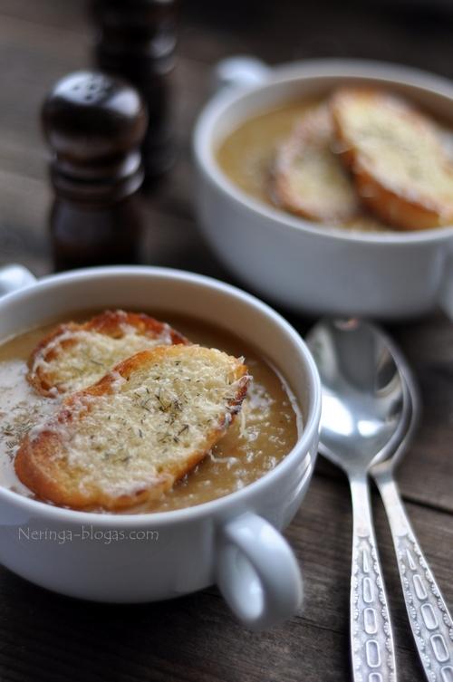 prancuziskas svogunu sriuba