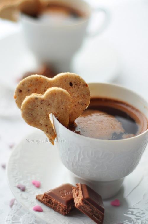 riesutiniai sausainiai sirdeles