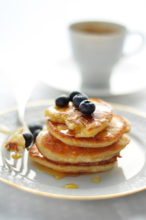 http://www.beatosvirtuve.lt/blog/recipes/varskes-blynai-egzodas/