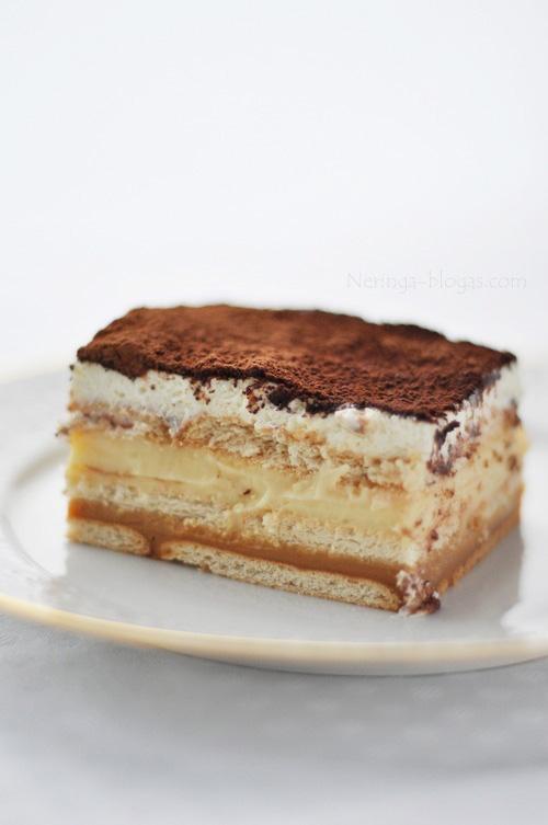 nekeptas sluoksniuotas tortas ala tiramisu
