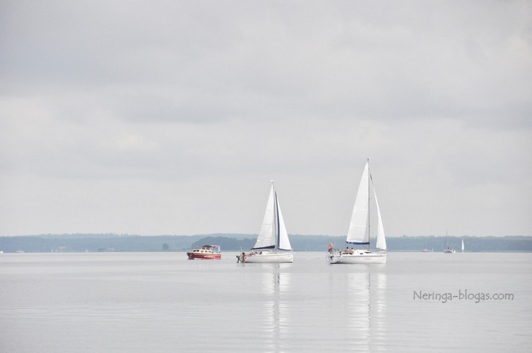 pasiplaukiojimas jachtomis