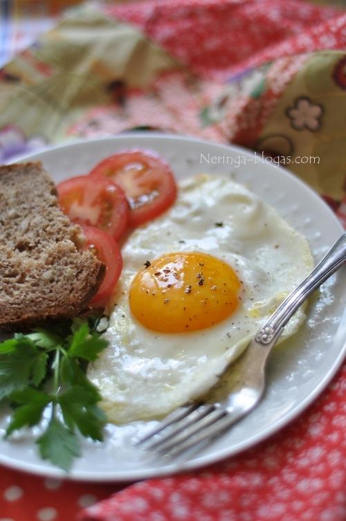 Idealus pusryciai - keptas kiausinis