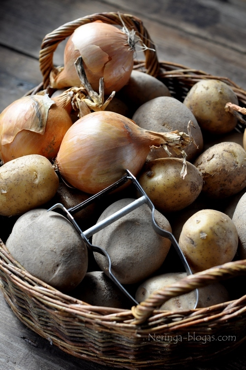 tirsta bulviene su sonine ir ciobreliais