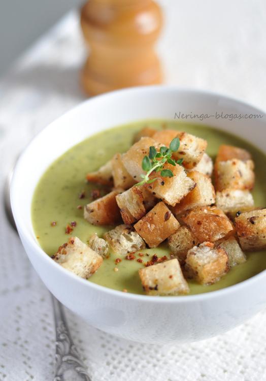 kreminė brokoliu sriuba