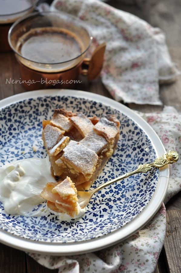 obuoliu pyragas - sarlotka