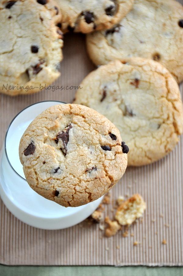 Sausainiai su sokolado gabaliukais
